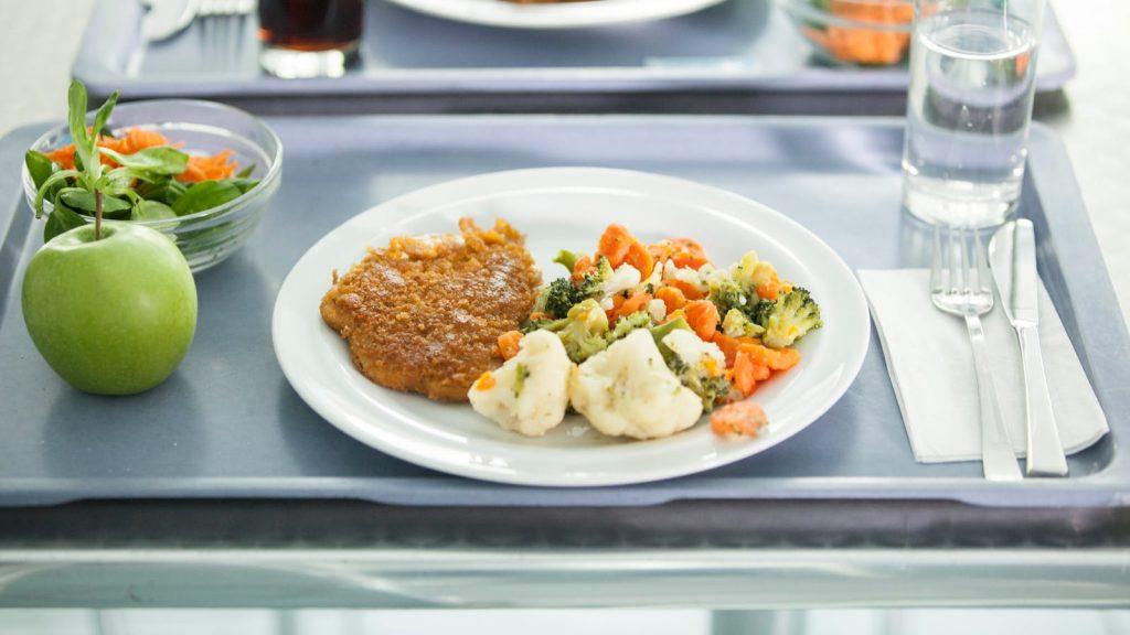 serel, productos serel, alimentacion en personas con cancer, como es la alimentacion en hospitales, ejemplo de servicio de alimentacion en hospitales