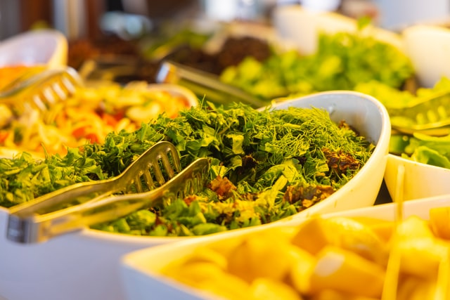 barra de ensaladas en comedores de productos serel